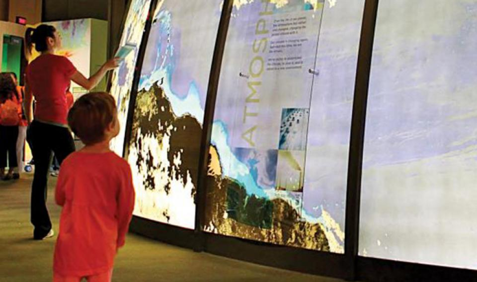 Children experiencing the Changing Earth exhibit at the Franklin Institute